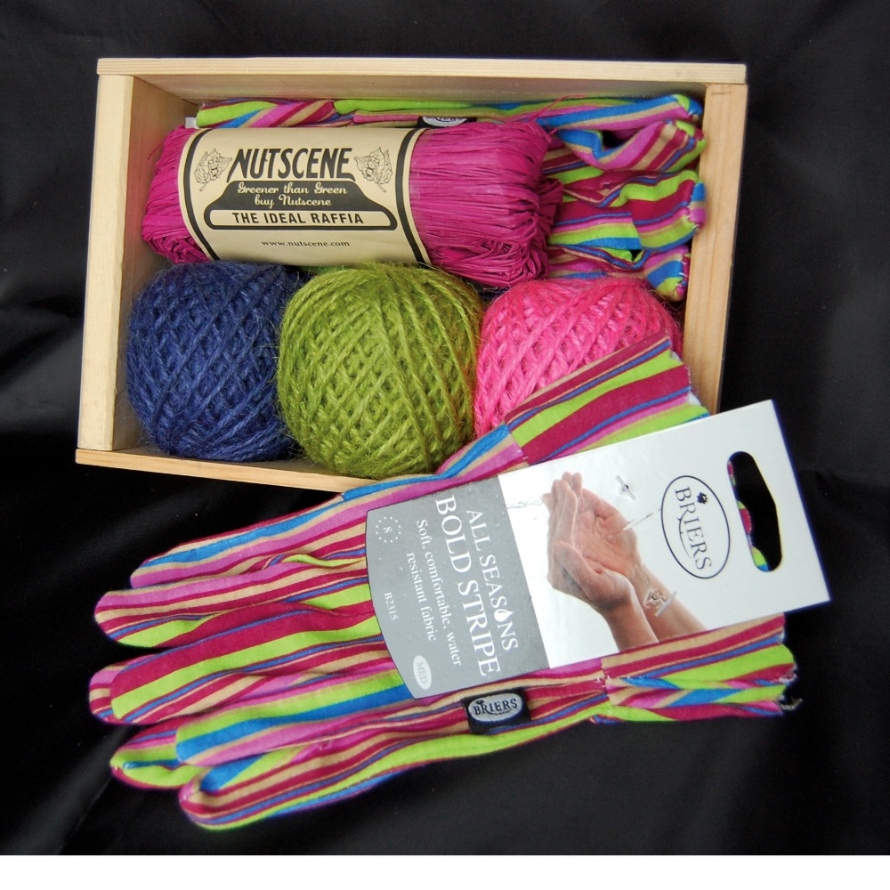 An image of Seed tray and Twine Set SB3 with Gloves